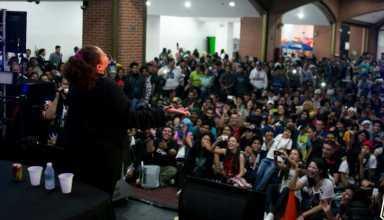 Laura Torres AX Convención